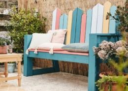 Bunte Gartenbank DIY